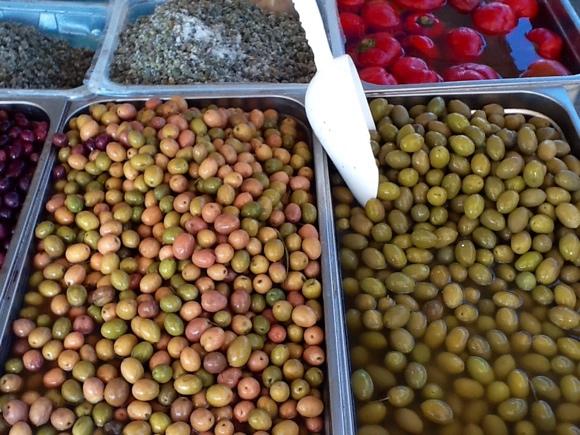 Saturday outdoor market in Sperlonga